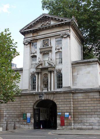 Barts-main-entrance